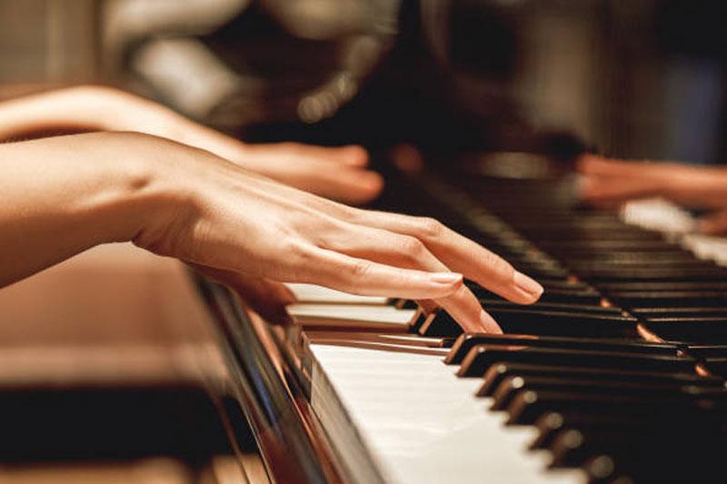 اهمیت تمرین گام ها در آموزش پیانو